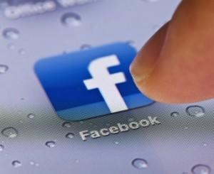 """Facebook y su """"manía"""" de pedirnos el numero de teléfono"""