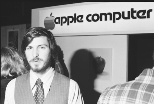apple-2-steve-jobs-530x359