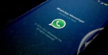 popularidad-de-whatsapp-experimenta-una-caida-whatsapp-android-sign-530x371