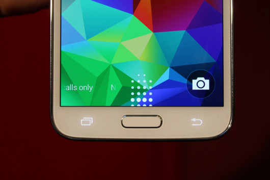 Samsung-Galaxy-S5-leaks-ahead-of-event-3-530x353