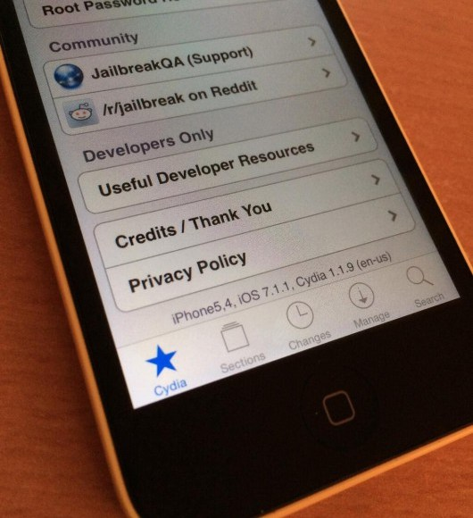 Jailbreak-iOS-7.1.1-iPhone-5C-530x706