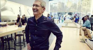 Tim Cook en Apple Store