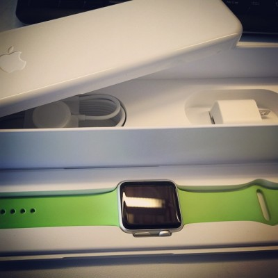 Comprar un Apple Watch para romperlo.... suma y sigue