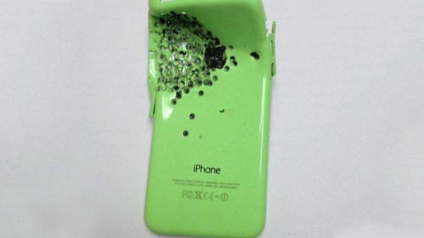 iphone-5c-salva-vida-propietario-1