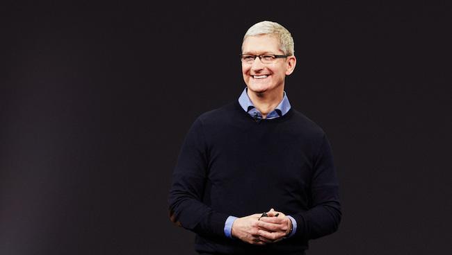 La prima de Tim Cook decrece por el declive de Apple