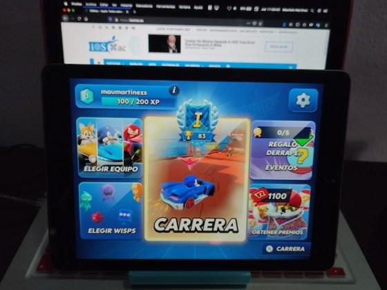 iPad menú principal de Sonic Racing