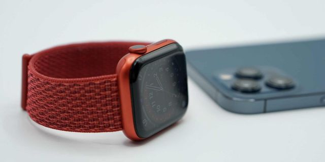 Apple Watch y iPhone 12