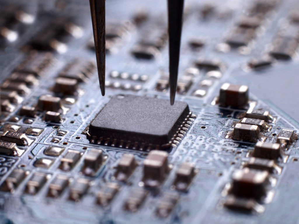 embedded system circuit prototyping assembly testing iotbits