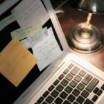ノートPCとデスク