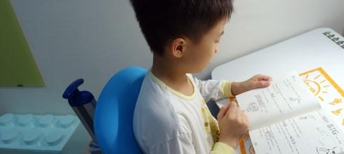 如何引導孩子看文字書(經驗分享)|4-8y 適合的英文讀本選擇