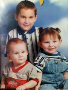 Jaymie Grahlman with brothers Jarrod (top) and Jesse