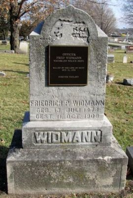 Fred Widmann's gravestone