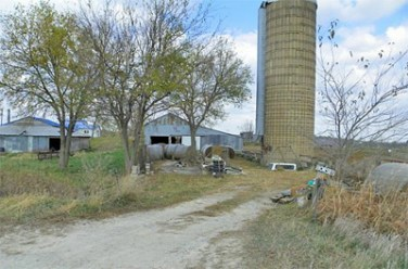 The Huelsenbeck farm where James Huff Jr. sustained severe head injuries. (Courtesy photo Dean Close, Vinton Today)