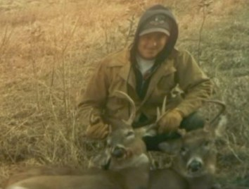 greg-howell-with-deer-whotv-2010