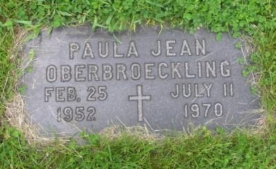 Paula Oberbroeckling gravestone