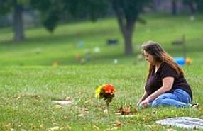 tammy-burkman-at-roses-gravesite