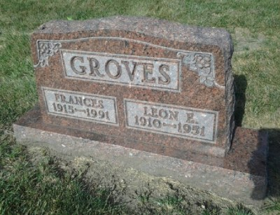 leon-groves-gravestone