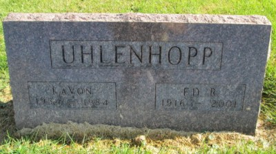Ed Uhlenhopp gravestone