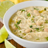 Crock Pot White Chicken Chili (Video)