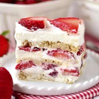 Gluten-Free No-Bake Strawberry Shortcake Icebox Cake (Video)