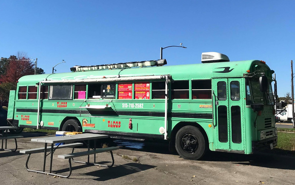 The Separate World of Taco Trucks in Des Moines