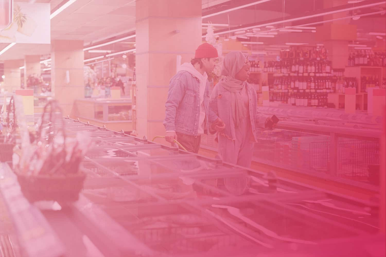 Zum Artikel Elektronische Kundenzählung - Marketinganalyse in Echtzeit: Zwei Personen im Supermarkt