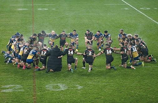Players take a knee following the Round 5 NRL match between the Parramatta Eels and Penrith Panthers, June 2020. Source: AAP Image/Brendon Thorne