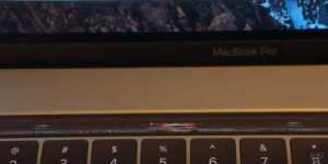 doom_on_the_macbook_pro_touch_bar_-_youtube