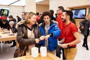 apple_marche_saint-germain_opens_in_paris_-_apple-2