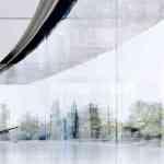 ガラス張りのApple Park、従業員がガラスに衝突するケガが発生