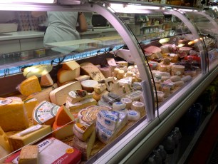 Cheese counter @CelinaLafuenteDeLavotha