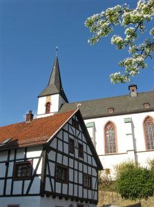 The Assumption of Mary Church, Blankenheim, Germany, Complete travel guide of Blankenheim, Germany, Eifel valley, Ahr valley, the castle of Blankenheim, the spring of Ahr, St. Mariä Himmelfahrt