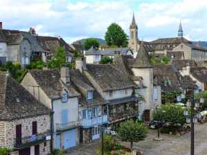 Argentat, France, Dordogne, riverbank, rooftops