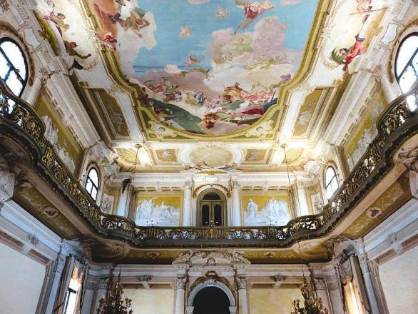 Villa Pisani - ballroom