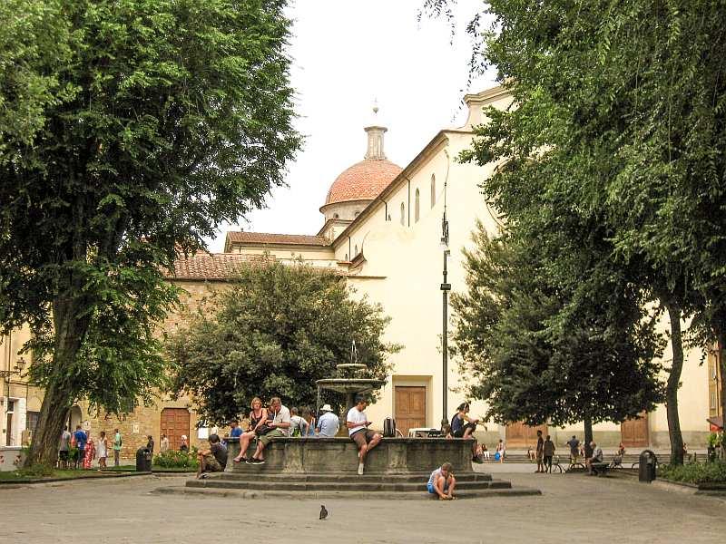Piazza di Santo Spirito at Oltrarno