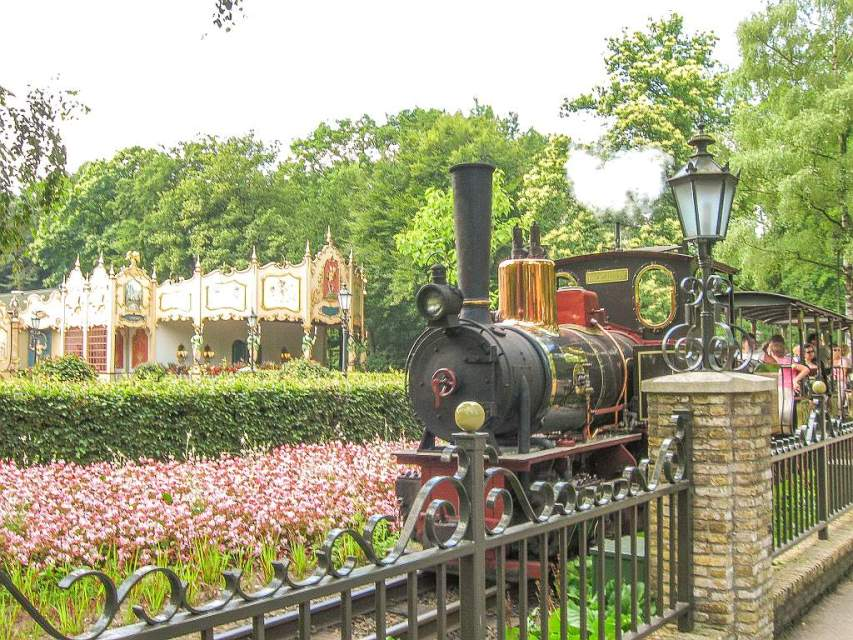 The steam train and the carousel