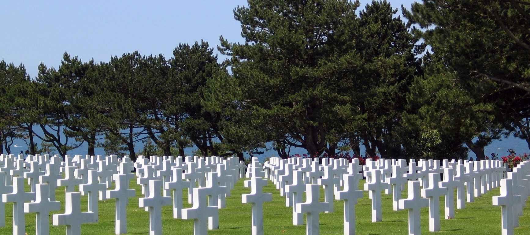 army burial cemetery cross