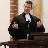 Evangelička crkva Njemačke vratila pastora Olafa Latzela u službu