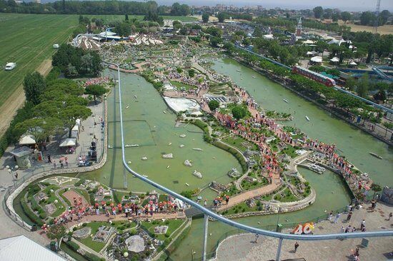 Il parco divertimenti Italia in Miniatura vista dall'alto