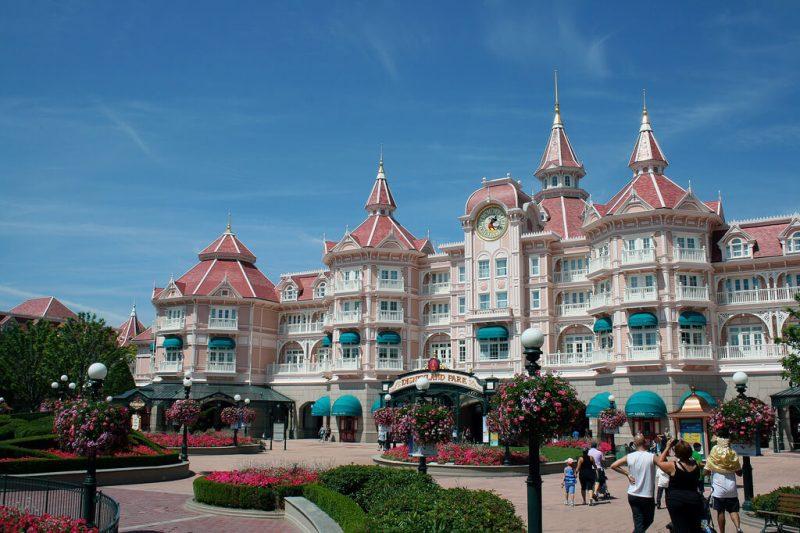 Il Disneyland Hotel di Disneyland Paris uno degli alberghi piu famosi dei parchi divertimento