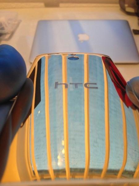 htc-one-mini-gold2