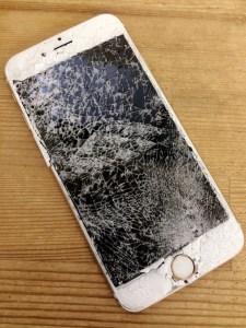 浦安市からiPhone6plusの画面修理を承りました!