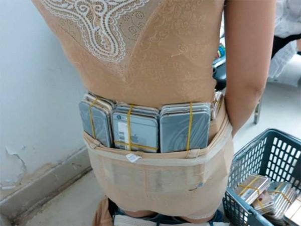 Contrabandista-iPhones-2