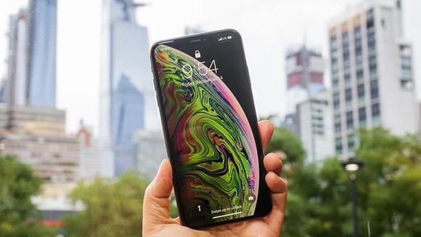 ما مدى تحمل الآي-فون XS؟