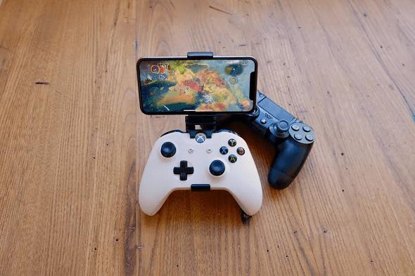 أبل تُغير قواعد متجر التطبيقات للسماح بخدمات بث الألعاب