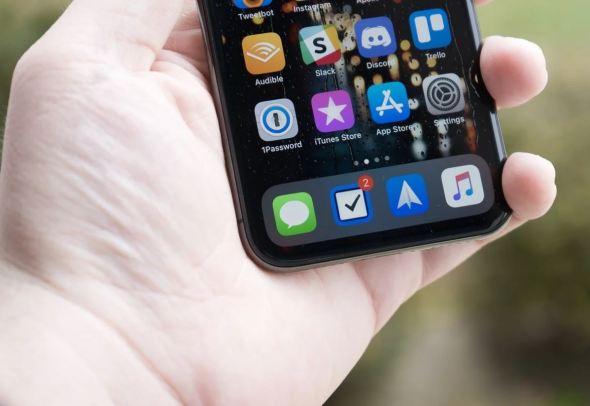 اكتشاف ثغرة في iOS تسمح للهاكرز بالوصول إلى محتويات جهازك بالكامل