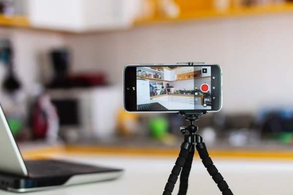 كيف تقوم ب التقاط صورة بصوتك أو سيري أو ساعة أبل على الآي-فون
