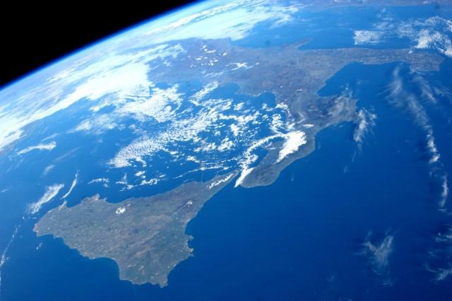 Fondo de pantalla de Sicilia desde el Espacio