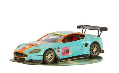 Class 90 Gold - Aston Martin GT1 No.009 by Stanislav Paulicsek
