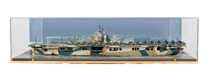 Class 85 Gold - USS Hornet by Richard Stewart
